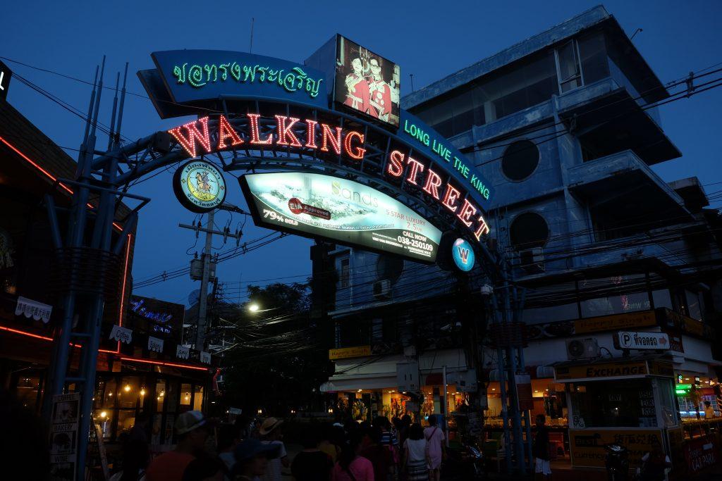 walking-street-pattaya-gece-hayati