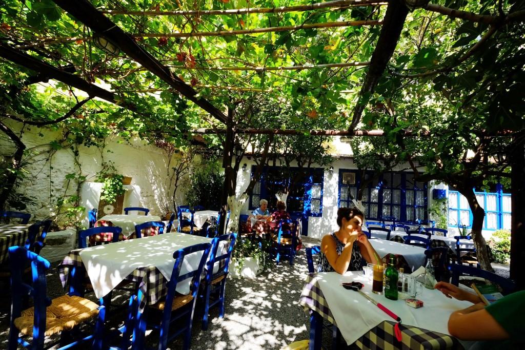 Avli-Restaurant-Girit
